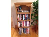 Lovely Pine bookcase with 4 shelves