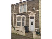 Lovely 3 bed house in Kingswood-3 double bedrooms, very large lounge, separate kitchen, unfurnished
