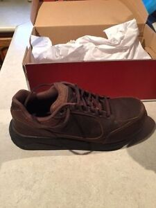 New Lower Price New Balance leather walking shoes