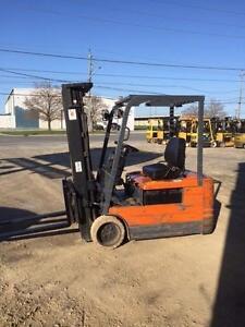 TOYOTA 3 WHEEL Forklift 5FBEC18 (3500lb)