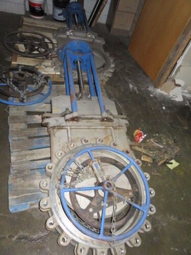 "Trueline Tl 24""-150 Knife Gate Valve Hand Gear Wheel Operated"
