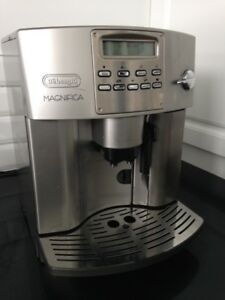Machine à café Delonghi EAM 3400 N