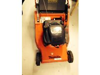 MAKITA SELF PROPELLED 21 INCH 3-SPEED PROFESSIONAL MOWER WITH BRIGGS & STRATTON ENGINE