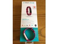 Fitbit ALTA HR Fuschia Small