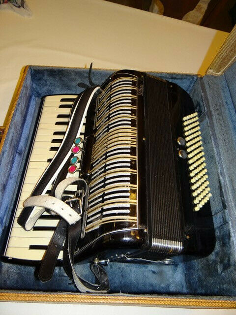 Villani Ace Accordian