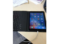 Apple iPad Air 2 and Bluetooth Keyboard