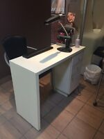 Manicure table with chair West Island Greater Montréal Preview