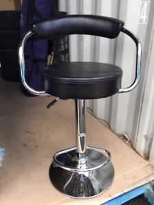 GREAT QUALITY ADJUSTABLE BAR STOOL