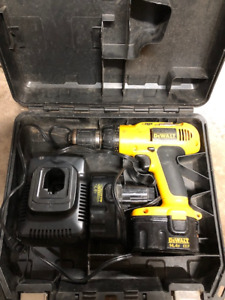 Dewalt cordless Drill, 2 XRP batteries, charger and case $100