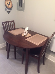 DINETTE SET - MOVING SALE - PRICED TO SELL