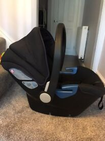 Silver Cross Simplicity 0+ Infant Car Seat with Isofix Base and Pushchair Adapters