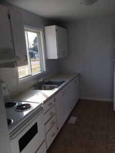 Three Bedroom Townhome,Newly Renovated, Signing Bonus
