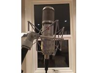 SE2200a Studio Condenser Microphone with stand, pop filter, cables