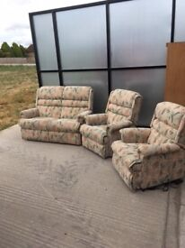 Immaculate Park Furnishers 3 piece suite