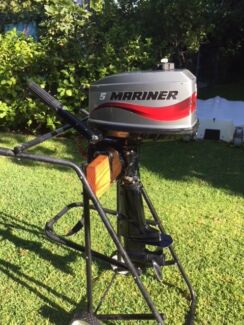 Mariner 5hp Outboard Motor - EXCELLENT CONDITION