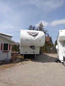 WINNEBAGO LITE FIVE 29FWRLS FIFTH WHEEL