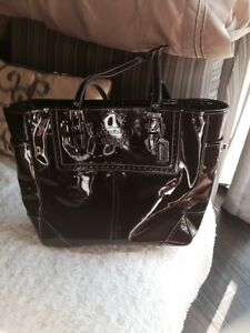 Gorgeous COACH tote - Great XMAS GIFT