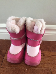 Girl Toddler winter boots size 6