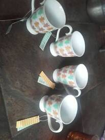 Set of 4 gingerbread man mugs cups drinking