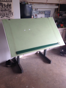 """ProfessionalDrafting board with parraell bar.   37 1/2"""" x 60""""."""