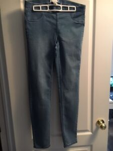 MOVING SALE!! Like NEW Women's Jeans Size M/8: $15 OBO