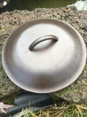 Vintage Lodge Lid that fits 4Qt Stewpot and a #7 Dutch Oven