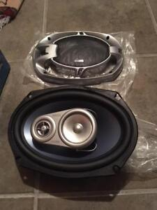 Two 6x9 3-way Phase Linear speakers, Pulse