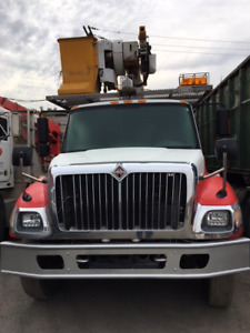 Camion international 2006 + nacelle 45Pied