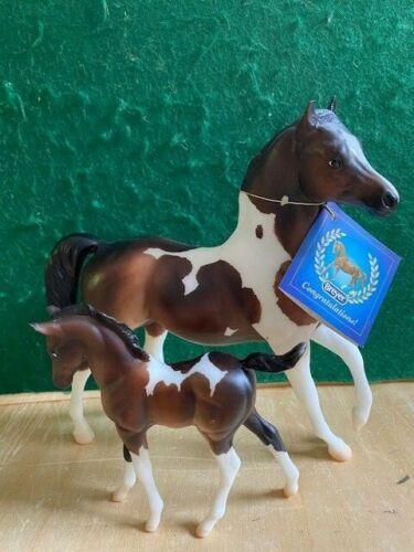 "Breyer Classic ""Julien and Sophia"" Set Bay Pinto Arabian Stallion and Foal"