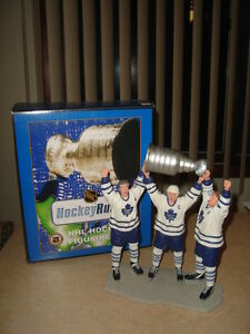 ~ REDUCED PRICE ~TORONTO MAPLE LEAFS STANLEY CUP STATUE ~ $69.99