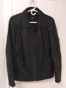 SUPERBE Manteau de cuir noir,  (large) COMME NEUF