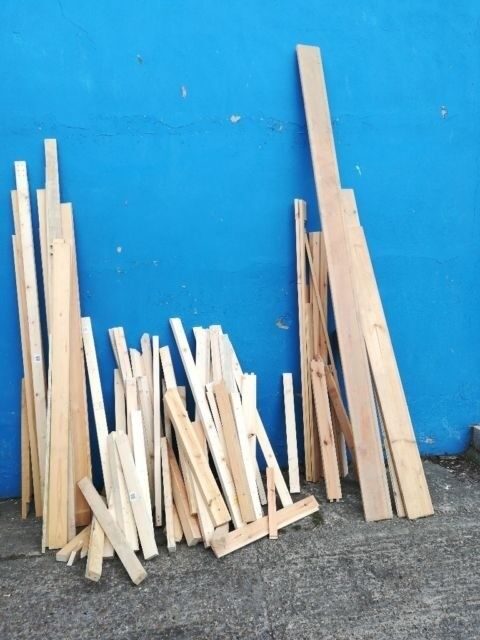 FREE TO GO NOW! WOOD! wood job or for fire burning, chimnea, fire pits etcin Great Yarmouth, Norfolk - Free wood to collect today Wood jobs, hoobys, crafts Burning fire, fire pits, chimnea, etc