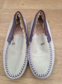 Mens Ted Bakers Slippers Size 7 as new never been worn