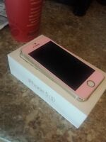 Like New Gold iPhone 5S Bell