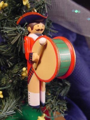 1983 HALLMARK CLOTHESPIN SOLDIER Keepsake CHRISTMAS ORNAMENT AMERICAN DRUMMER