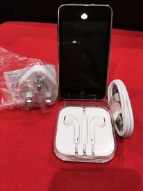 APPLE IPOD 2ND GEN 8GB WITH 12 MONTH WARRANTY THAT COVERS IPOD, CABLE + PLUG