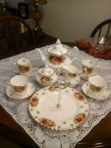 "Royal Albert ""Old Country Roses Holiday"" dishes"