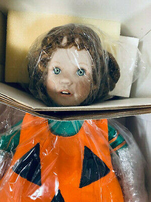 "Hamilton Collection ""Lil Punkin"" ~ Halloween Doll sculpted by Laura Cobabe ~1993"