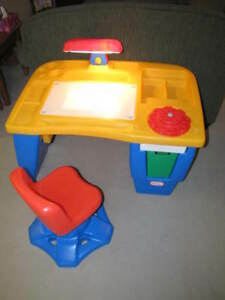 Executive Art Desk by Little Tikes