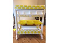 Cossato Baby Changing Table and Bath. Great condt. £35