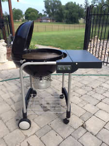 """WEBER - PERFORMER 22"""" CHARCOAL GRILL"""