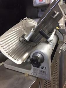 HOBART SLICER SEMI AUTOMATIC  , GREAT CONDITION*** 90 DAYS WARRANTY