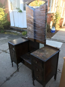 Antique Vanity with Mirror - 775 obo