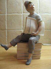Lladro/Nao Paper boy