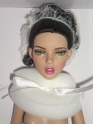 Soirees Dor Nude Tonner Deja Vu Doll Anne De Leger Penelope 300 Made