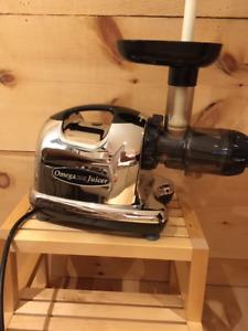 Omega J8006 Masticating Juicer Mint Condition! Lightly used!