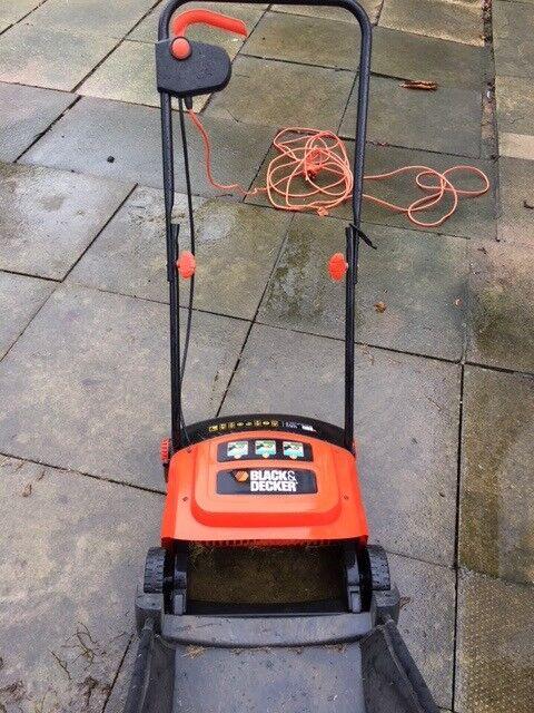 Black & Decker lawn rake and moss remover.