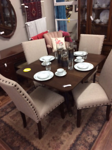 Drop Leaf Duncan Phyfe Table w/ 4 Chairs - Dining Table - Chairs