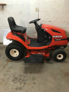 Kubota 1670 Lawn Tractor in Top Condition