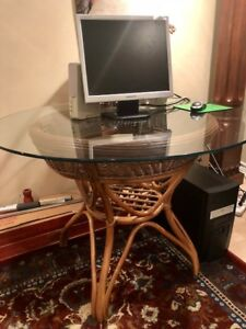 Beautiful rattan/wicker table with glass top- only$55